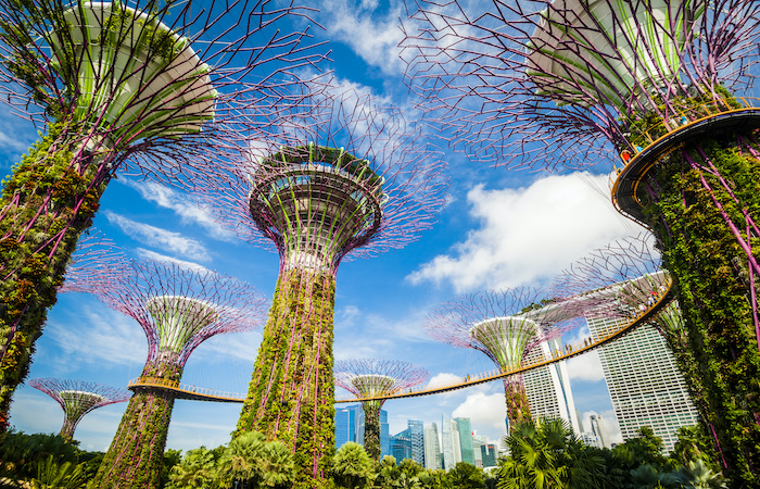 (featured image: Gardens By The Bay, 123RF.com)