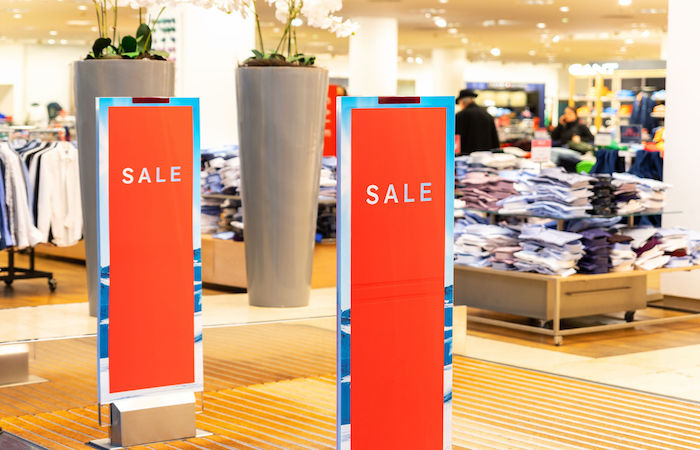 save money in singapore, by shopping at outlet stores