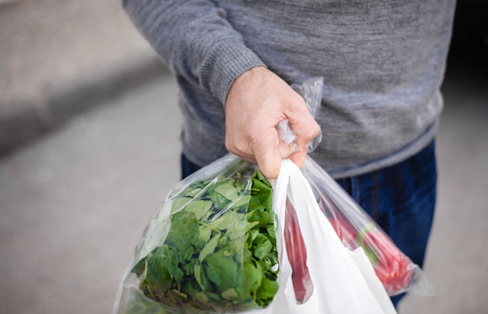 how to save money in singaproe by shopping at local supermarkets and wetmarkets