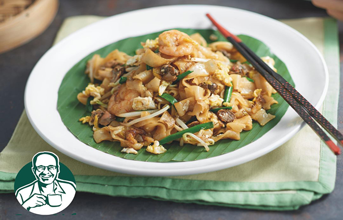 Kway Teow noodles at PapaRich casual restaurant, a good place to try authentic Malaysian food in SIngapore
