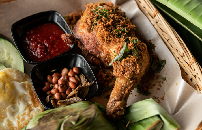 Ayam Goreng from Walaku restaurant, is among the best Malaysian Food in Singapore