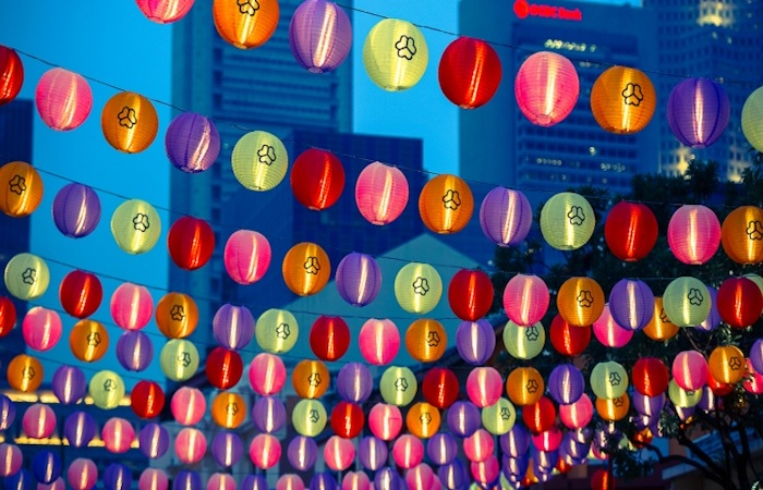 guide to mid autumn festival - lanterns across the strees in singapore's chinatown
