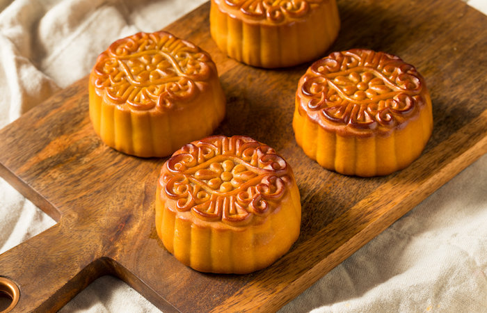 guide to mid autumn festival - traditional baked skin chinese mooncakes