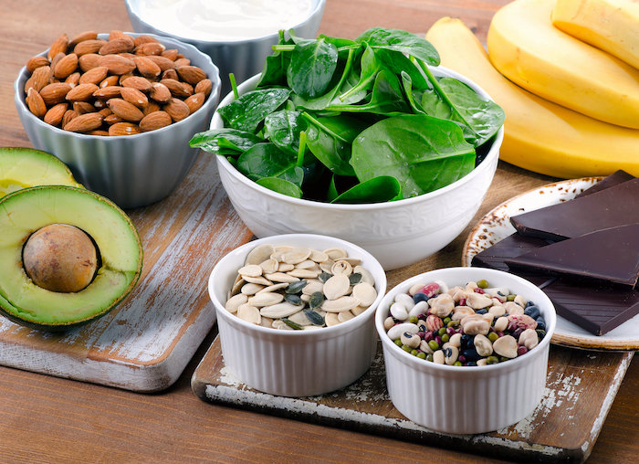 magnezium-rich foods like almonds, spinach and beans help you sleep better
