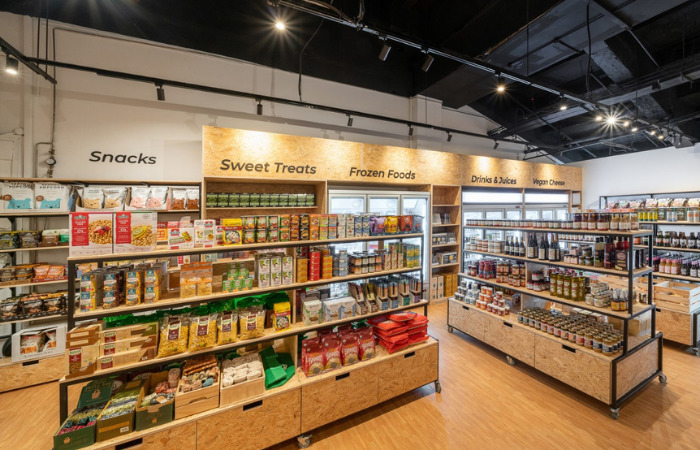 Everyday vegan grocer sustainable shopping store