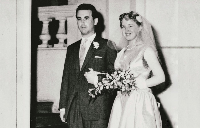 How to find true love as an expat - Lex Barker and June Turner on their wedding day in Singapore in 1958.